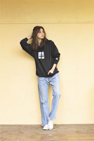"""<a href=""""/product/photo-print-pullover"""">TOPS : PHOTO PRINT PULLOVER BLACK ¥5,500</a>"""